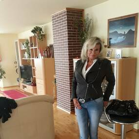 Single night aus mooskirchen - Sexdating in Neumark